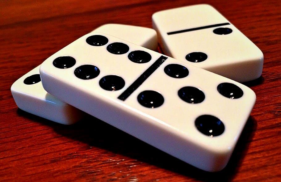 Trik Jitu Bermain Judi Domino Online